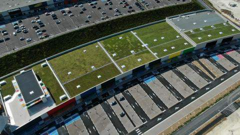 Urbanscape green roof in France